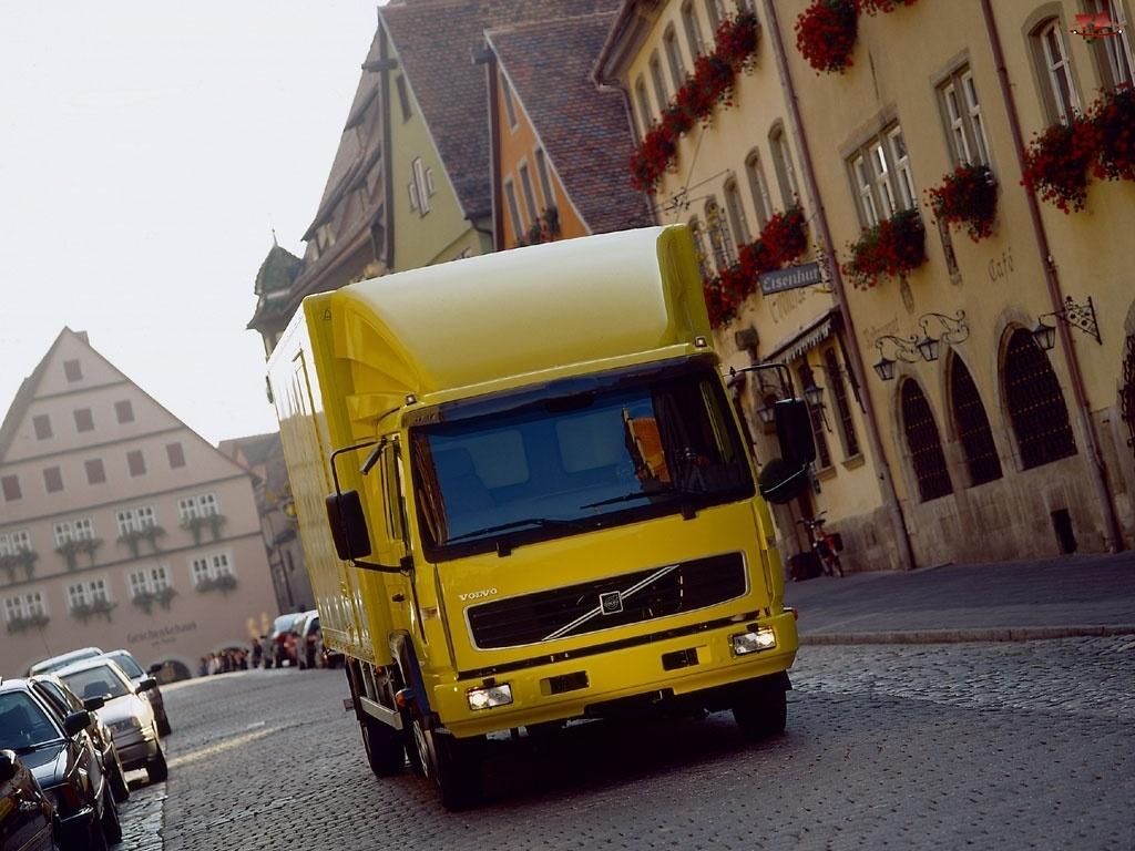 Żółte Volvo