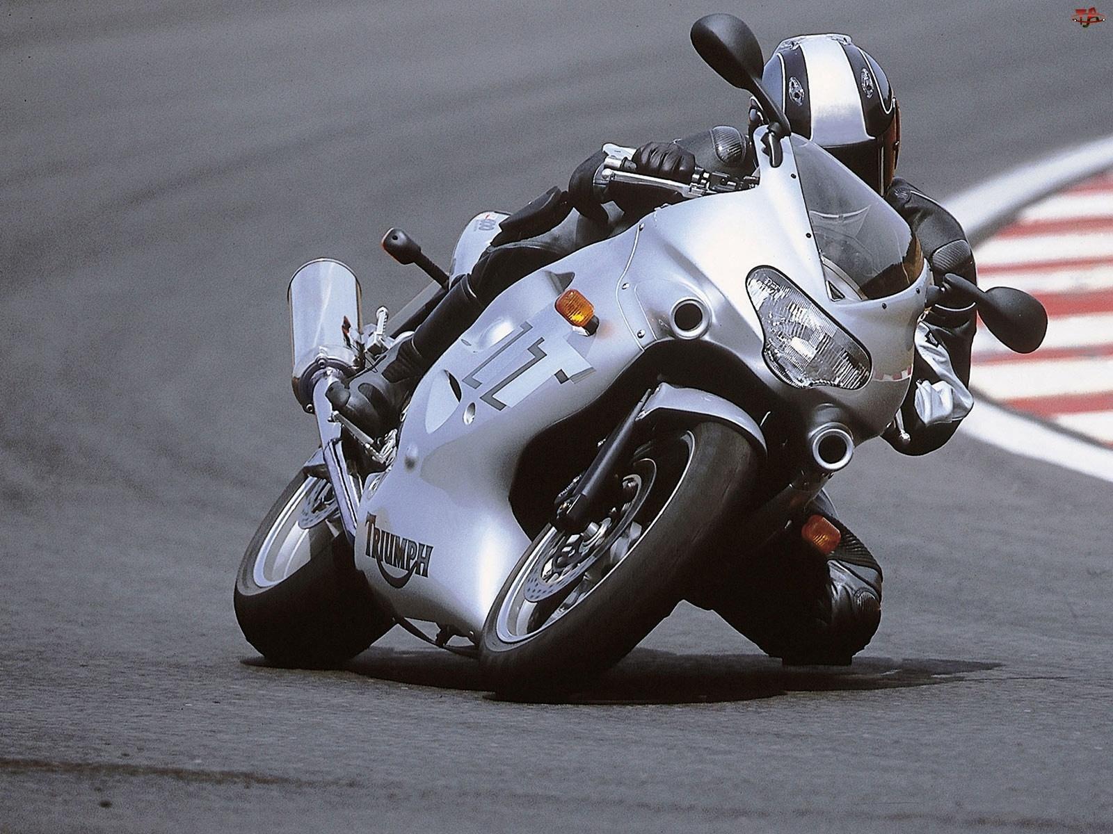 Triumph TT 600, Kolano, Wyścig, Tor