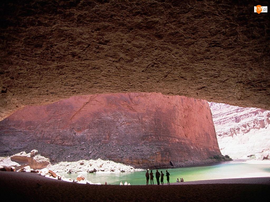 Jaskinia, Kanion
