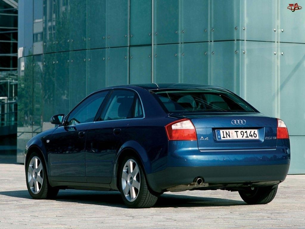 Audi A4, Sedan