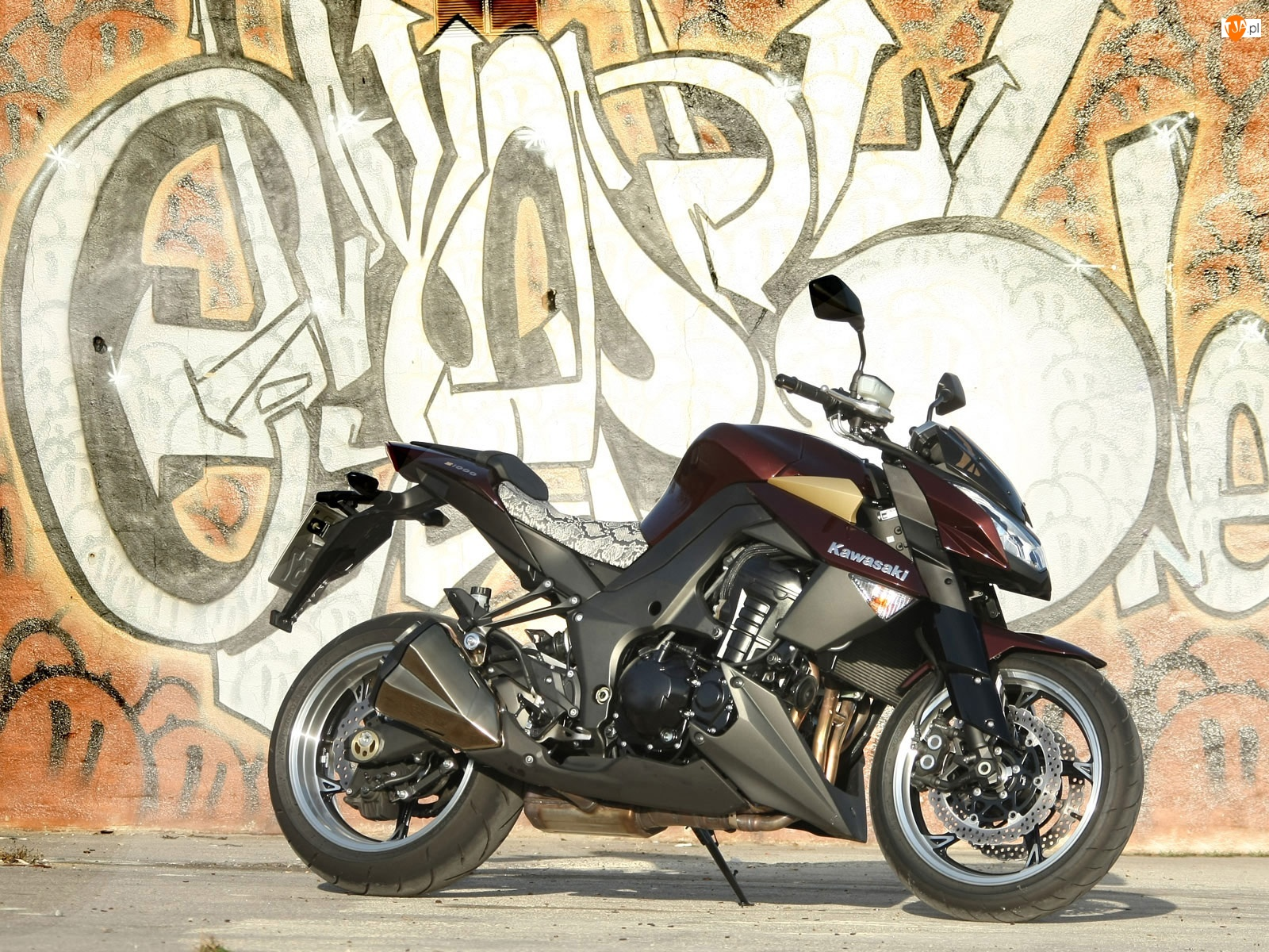Kawasaki Z1000, Silnika, Graffiti, Blok