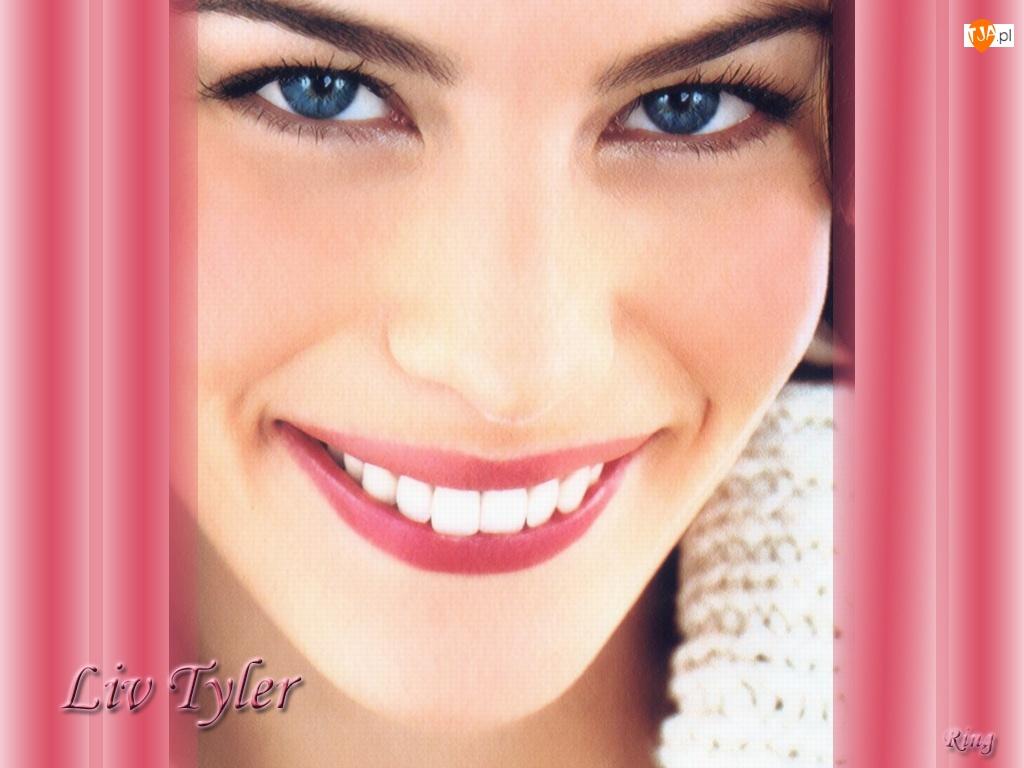 Liv Tyler, Piękny Uśmiech
