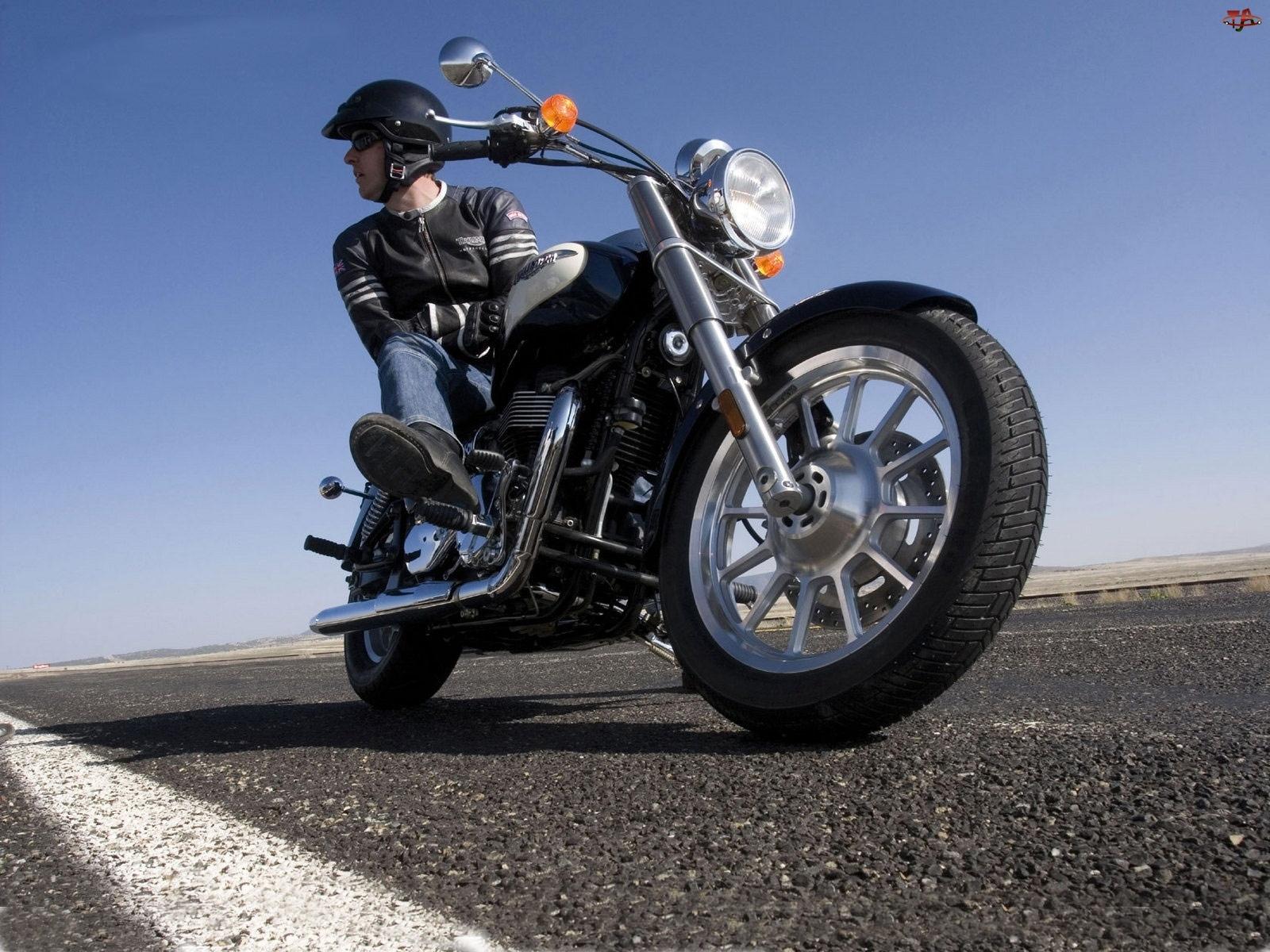 Triumph America, Motocyklista
