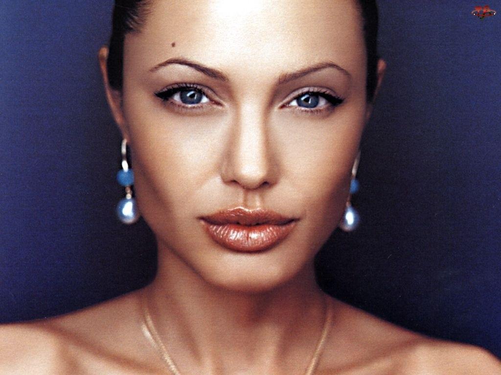 Angelina Jolie, niebieskie oczy