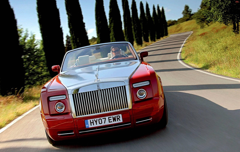 Czerwony, Rolls Royce Phantom Drophead