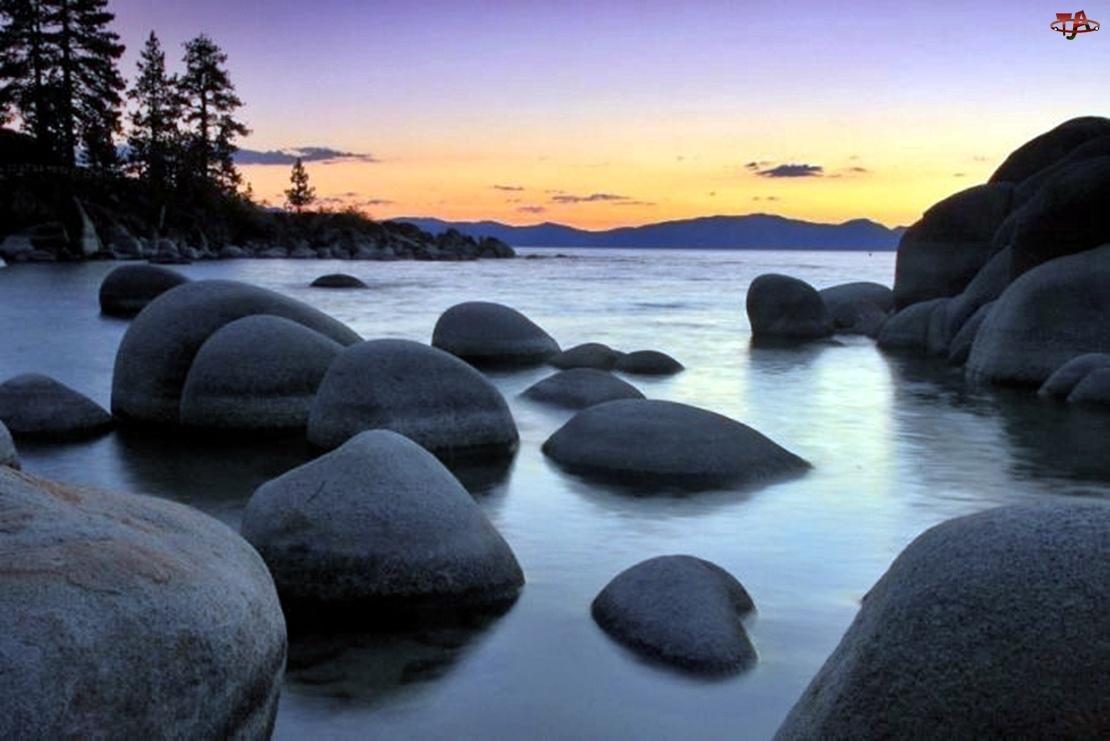 Jezioro, Kamienie