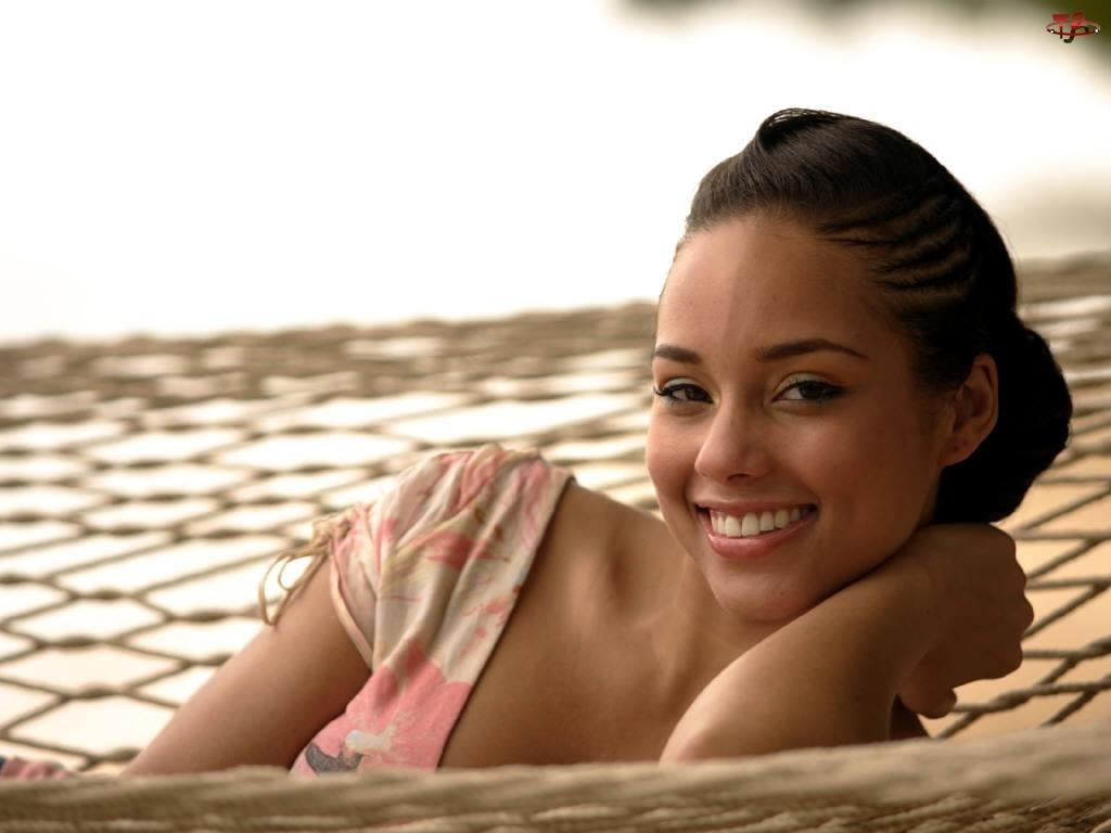 Alicia Keys, Uśmiech