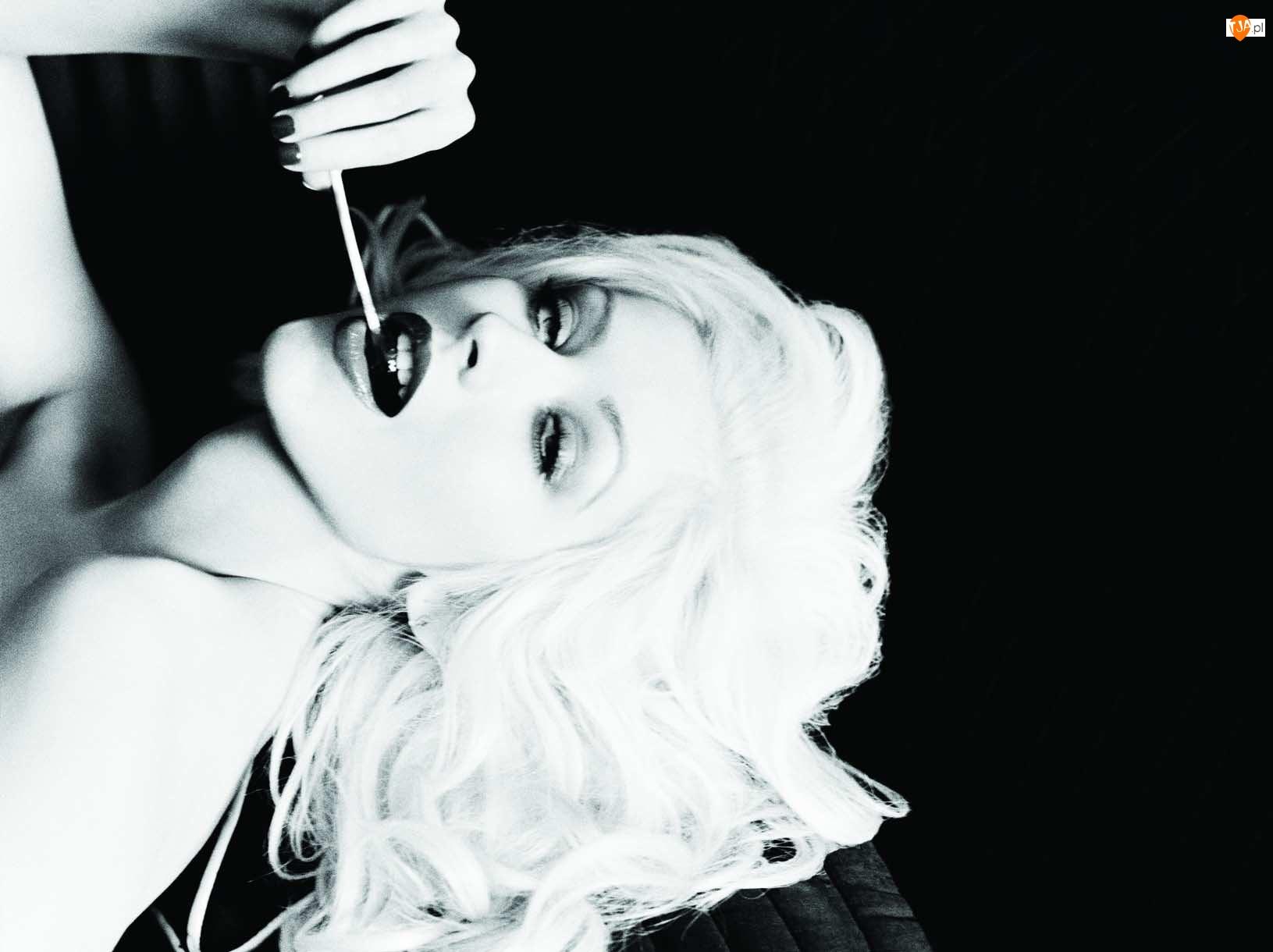 Christina Aguilera, Lizak