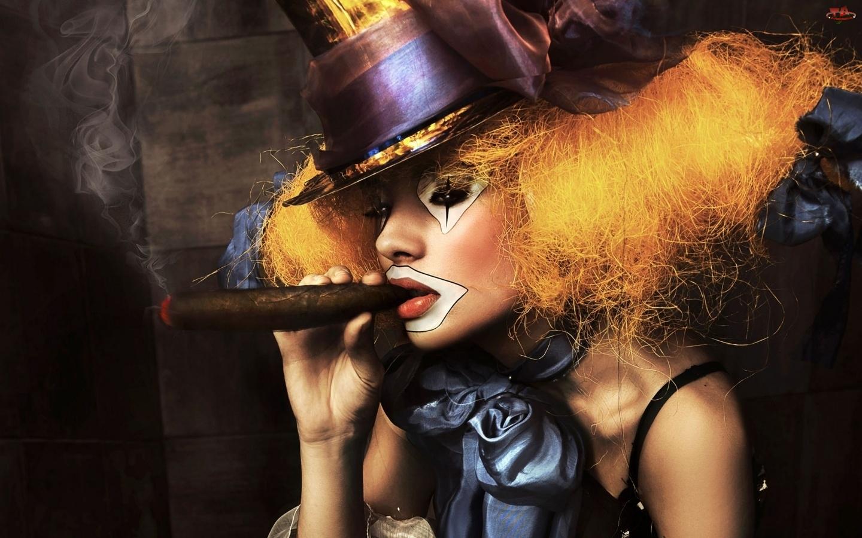 Kobieta, Kapelusz, Clown, Cygaro