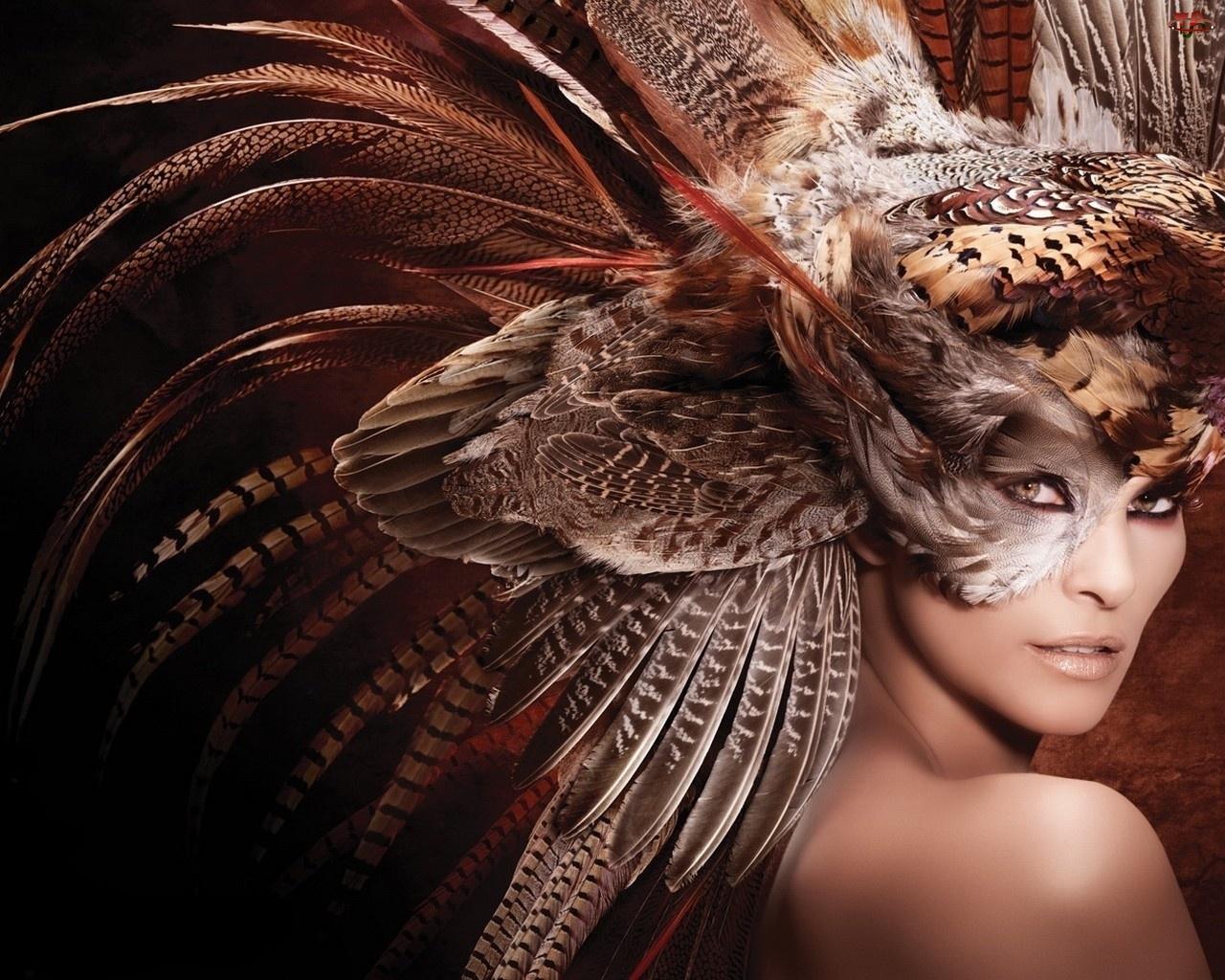 Pióropusz, Kobieta, Maska