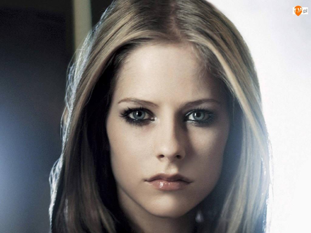 Avril Lavigne, Namiętne Usta
