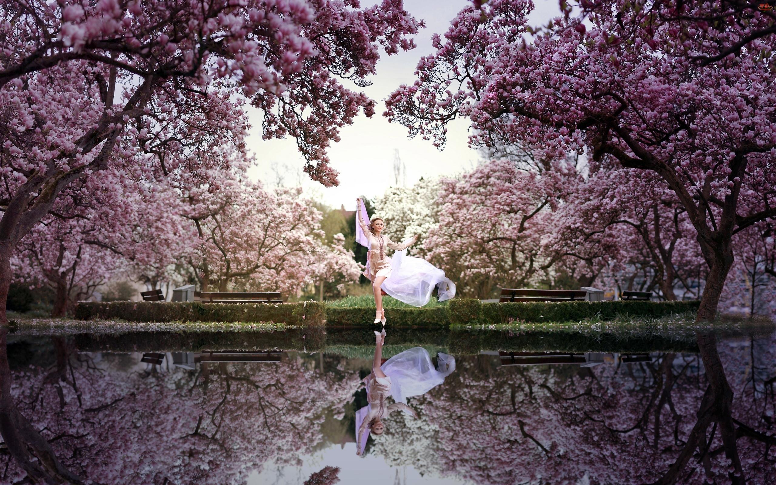 Kobieta, Jezioro, Taniec, Drzewa