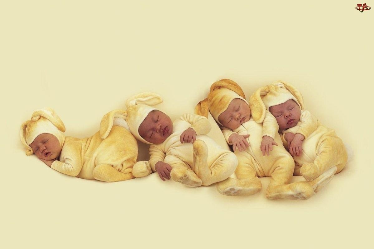 Bobaski, Cztery, Śpiące