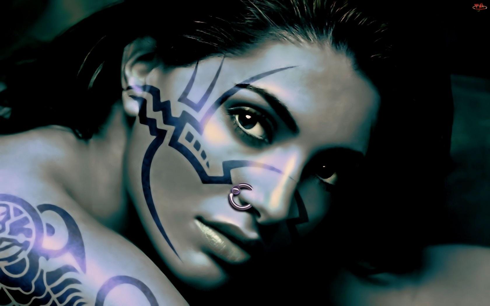 Kolczyk, Kobieta, Tatuaże