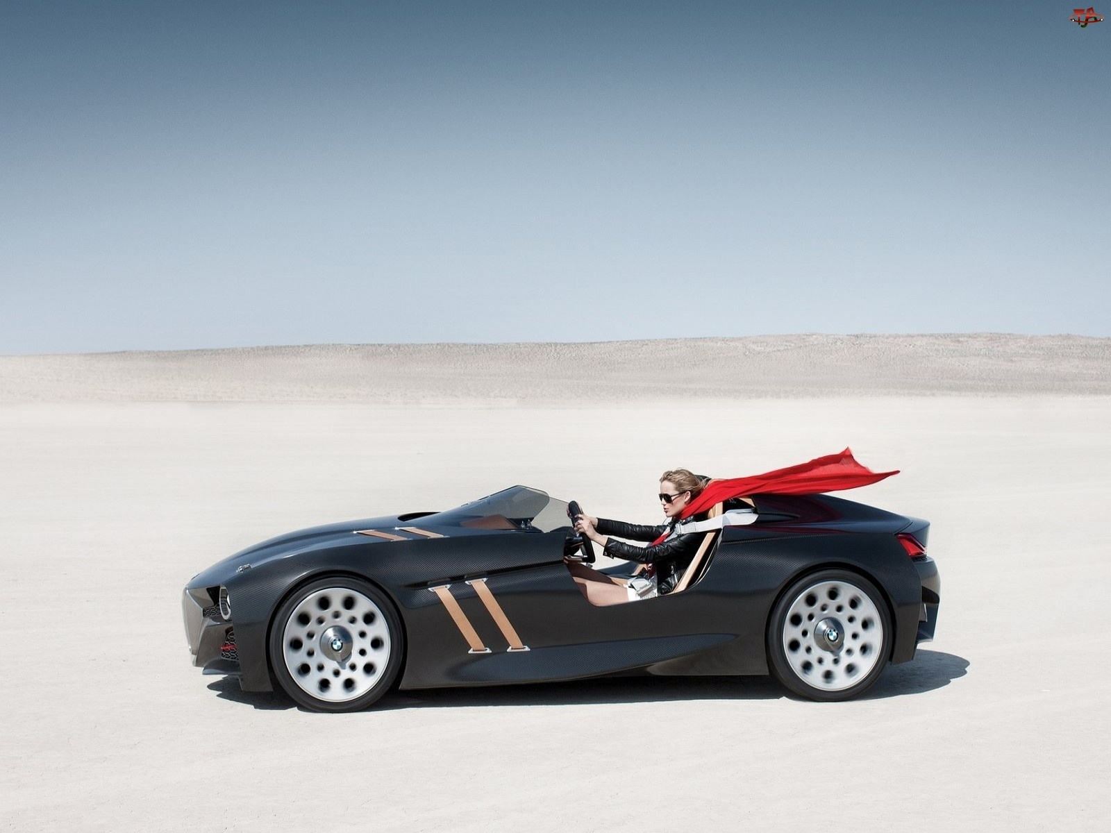 BMW 328 Concept, Kobieta