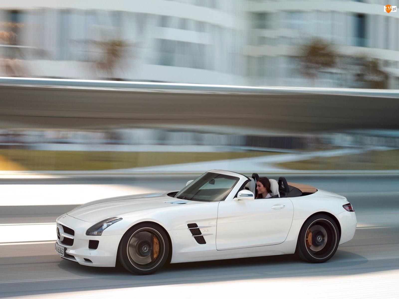 Kobieta, Mercedes-Benz SLS Roadster, AMG