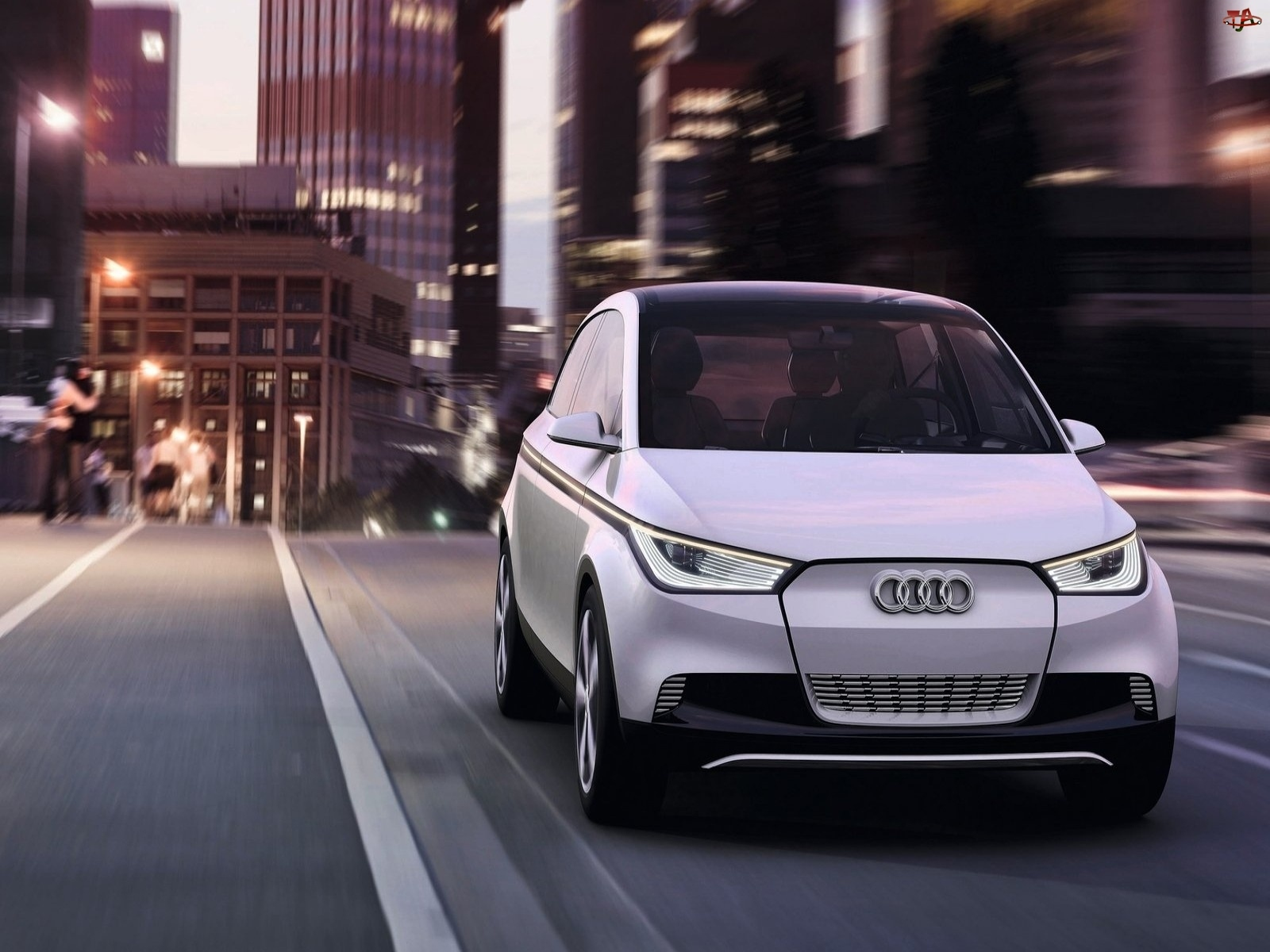 Studyjna, Audi A2, Wersja
