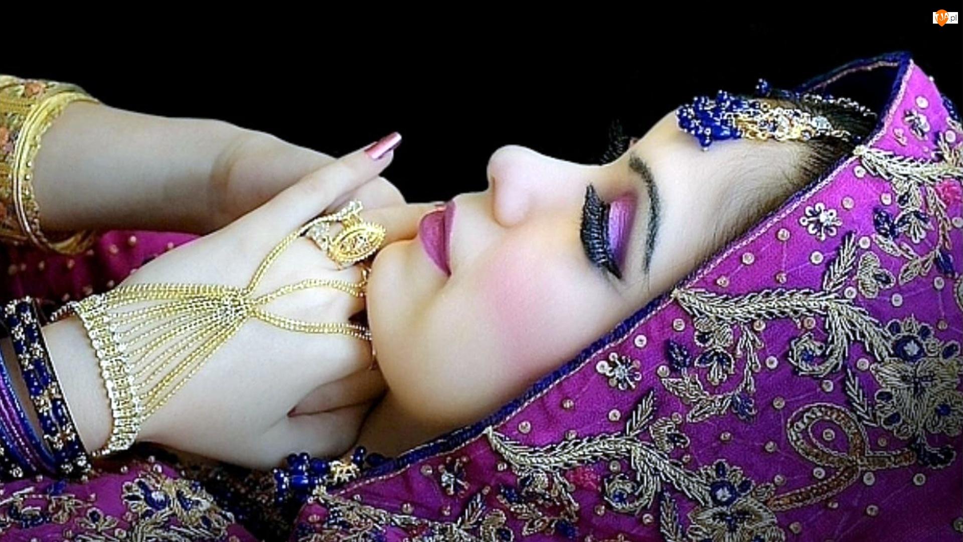 Kobieta, Biżuteria, Dłonie, Makijaż