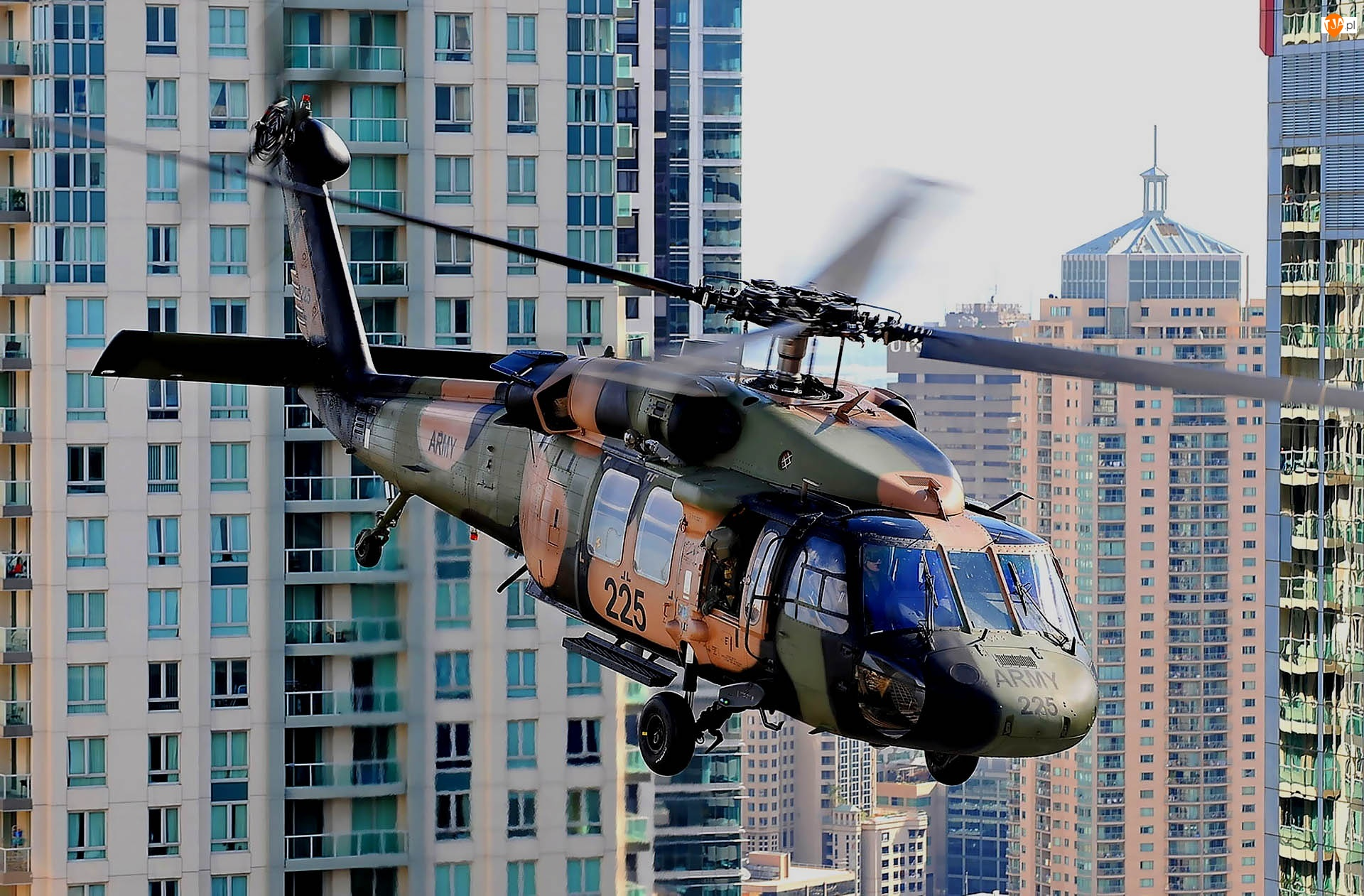 Sikorsky UH-60 Black Hawk, Miasto