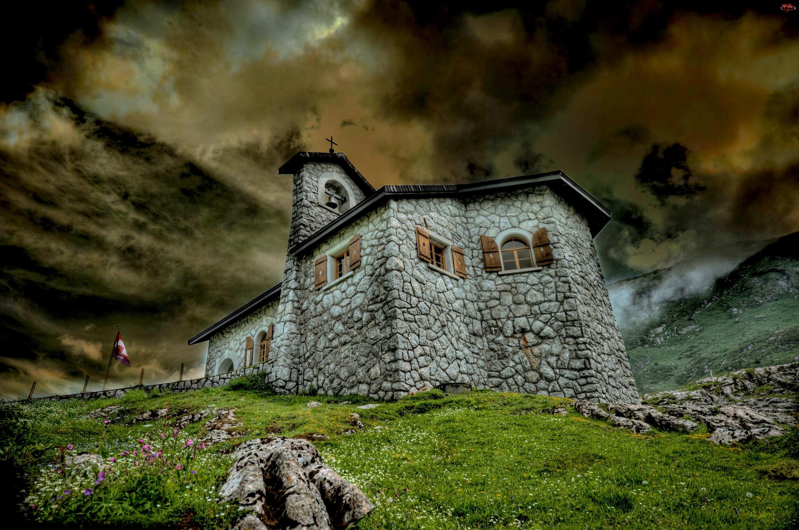 Kamienny, Kościół
