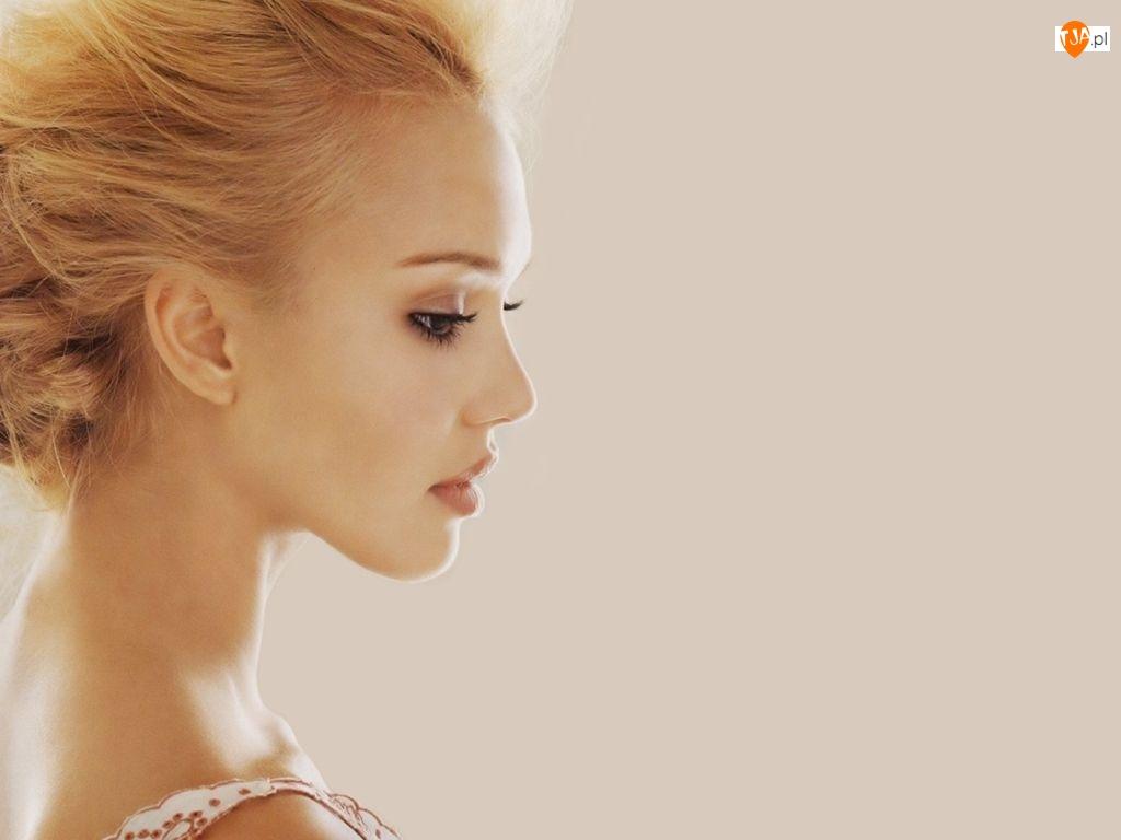 Profil, Jessica Alba, Portret