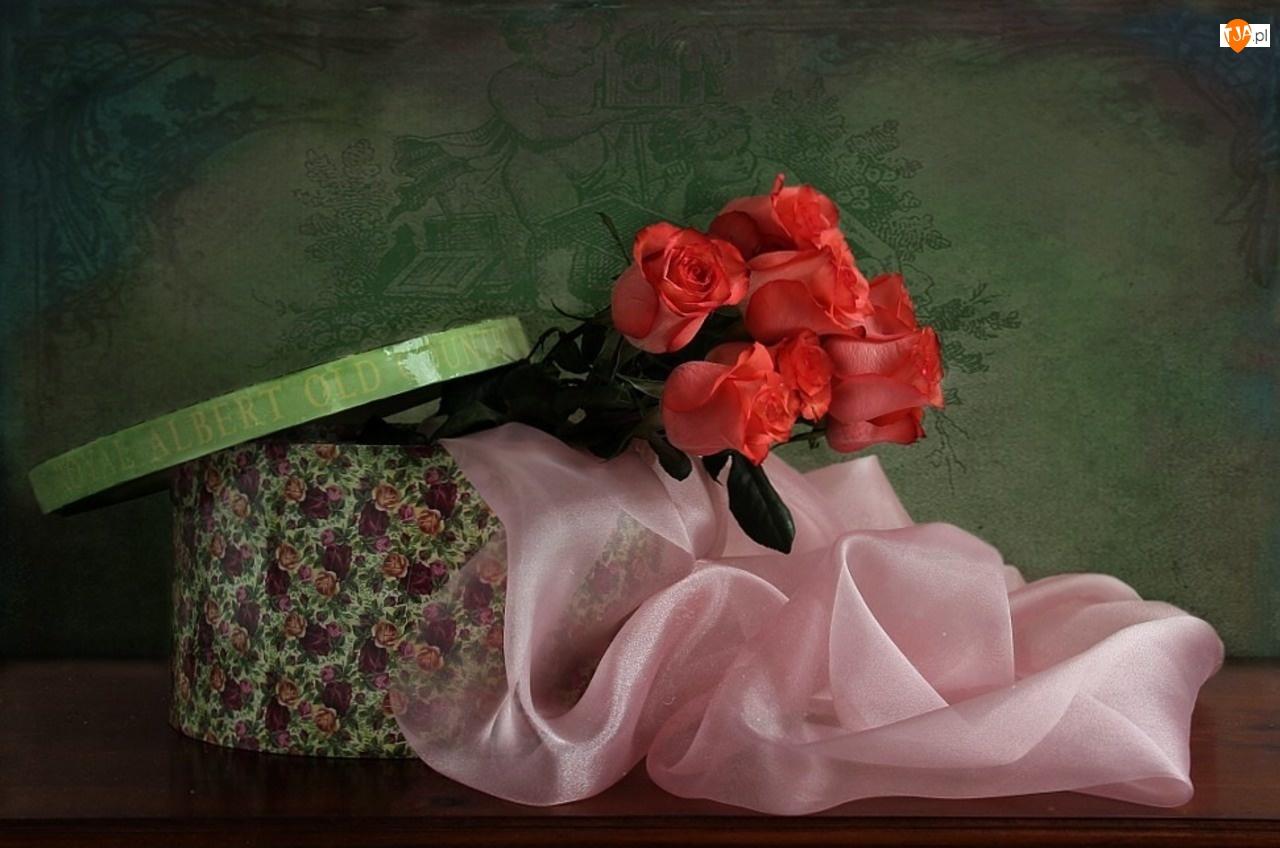Szal, Róże, Pudełko