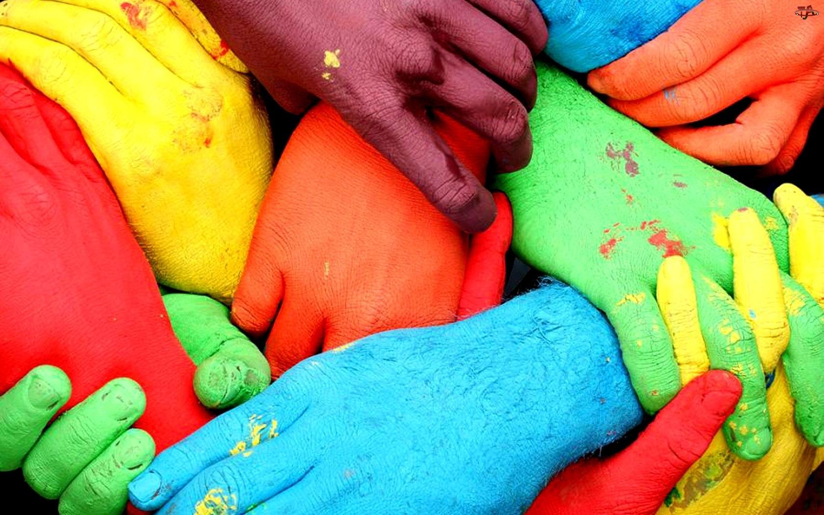 Kolorowe, Dłonie