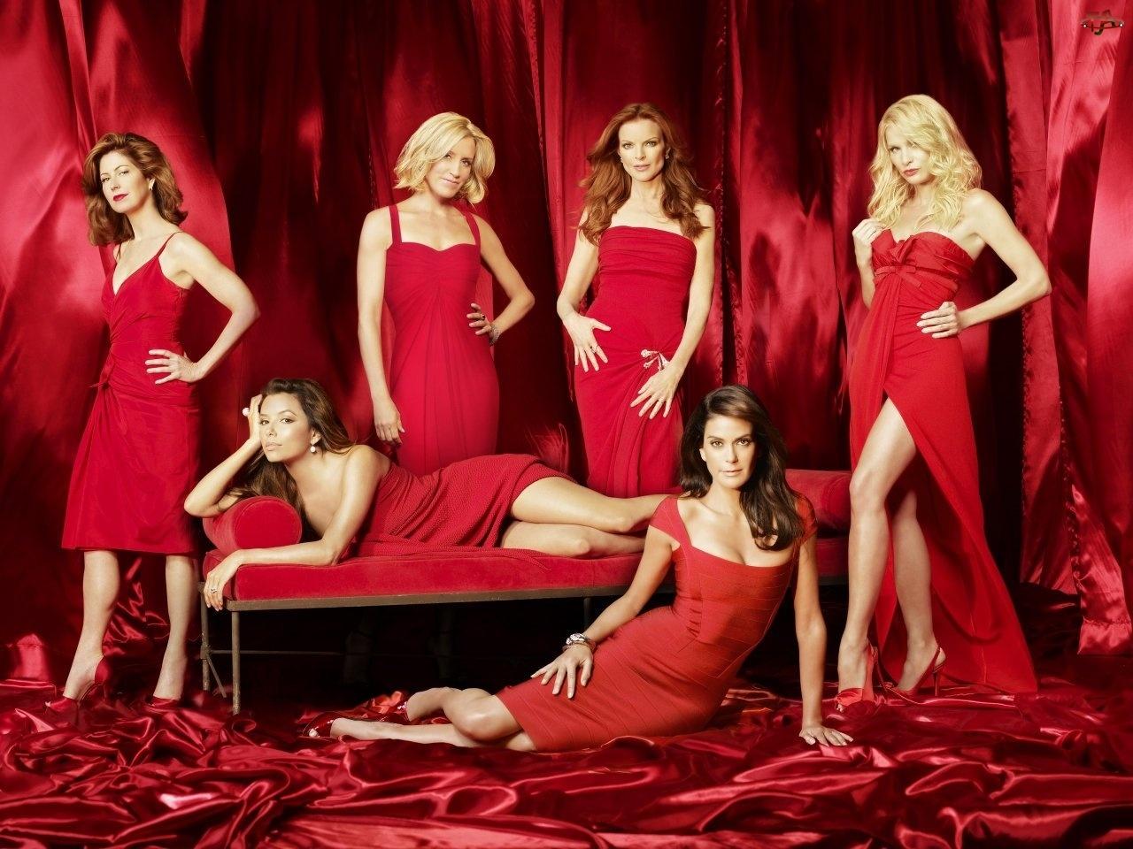 Czerwone, Dana Delany, Nicollette Sheridan, Felicity Huffman, Desperate Housewives, Marcia Cross, Suknie, Gotowe na wszystko, Eva Longoria, Kobiety, Teri Hatcher