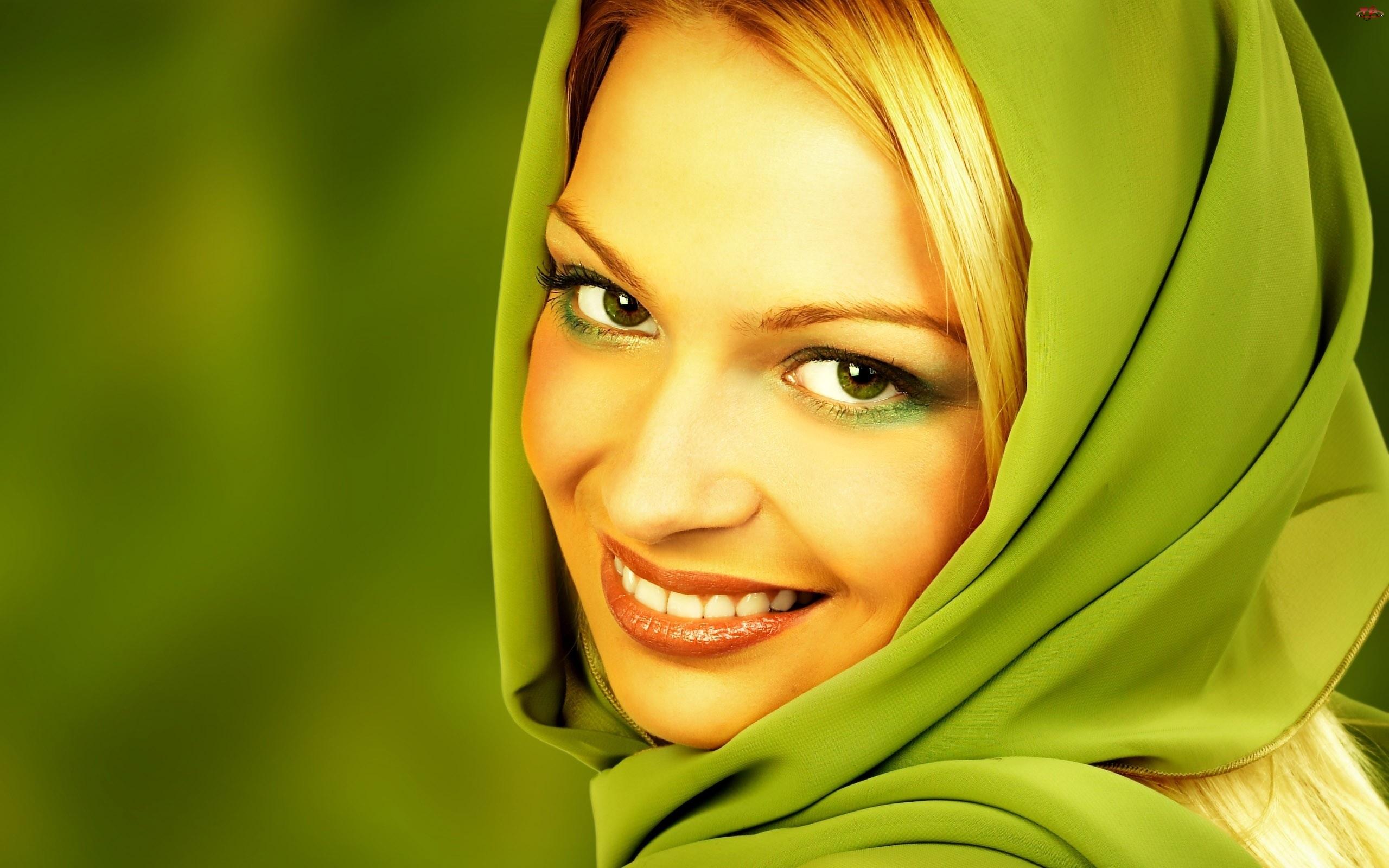 Uśmiechnięta, Chustka, Kobieta, Zielona