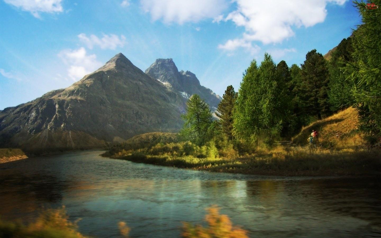 Góry, Wędrowcy, Rzeka, Świerki