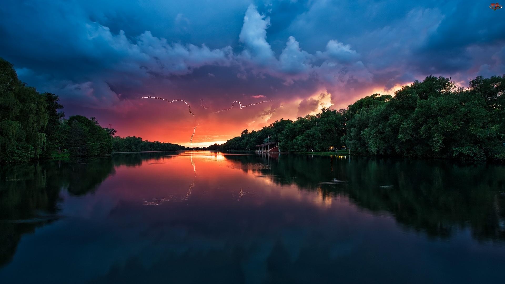 Duża, Burza, Rzeka, Nadciągająca