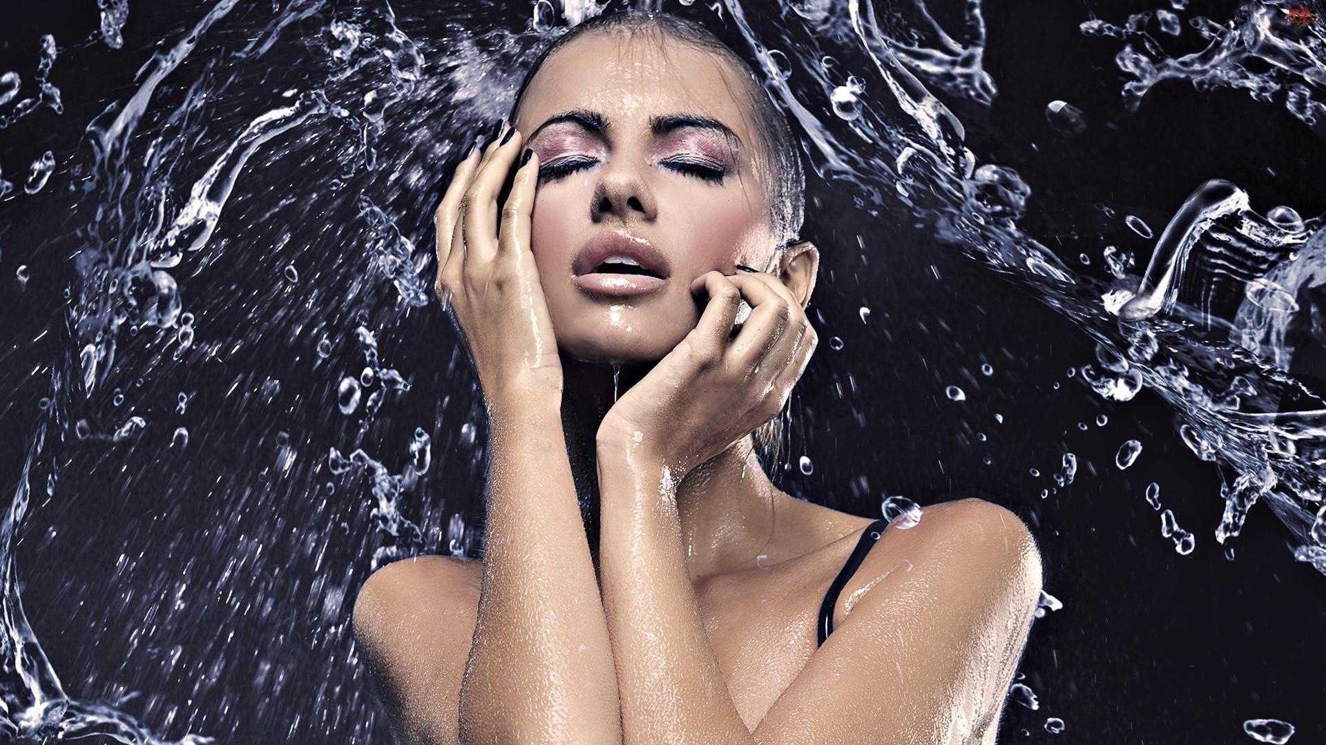 Woda, Kobieta, Makijaż