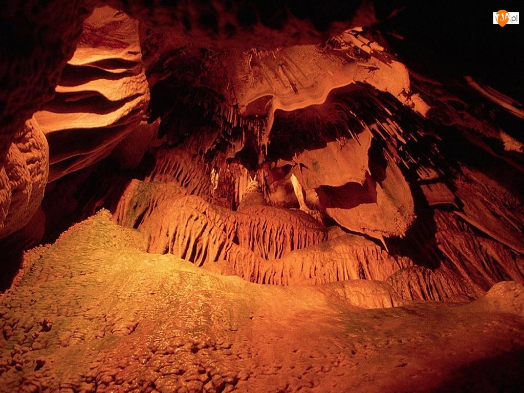 Jaskinia, Skały