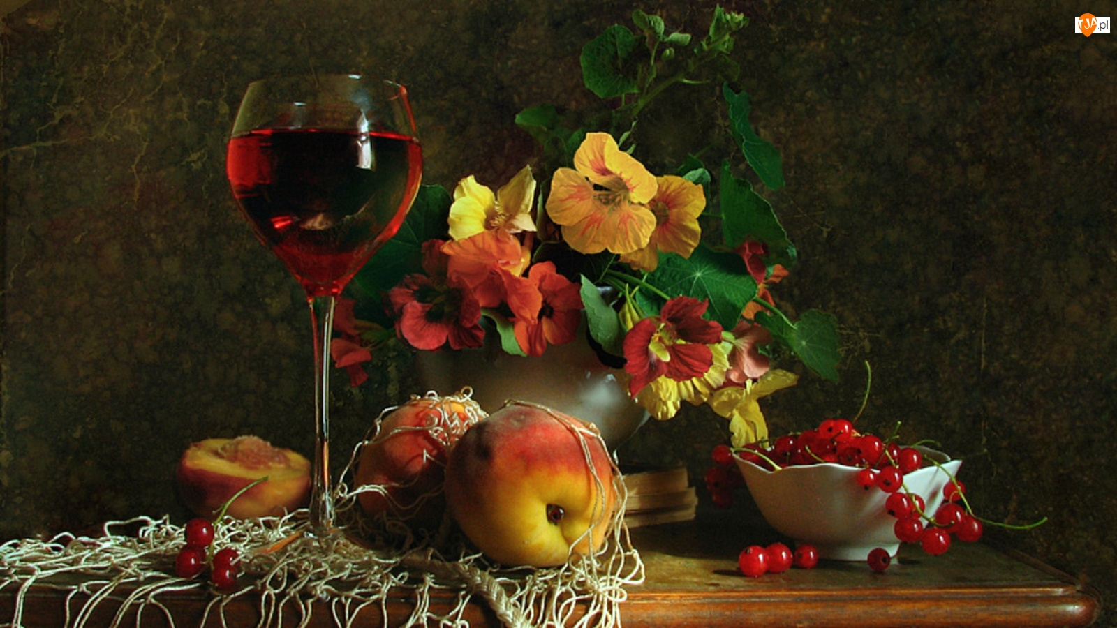 Wino, Nasturcja, Owoce