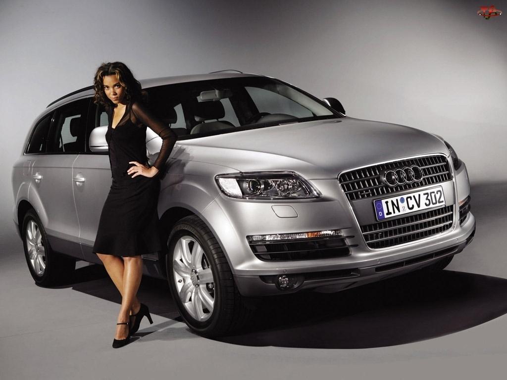 Audi Q7, Modelka