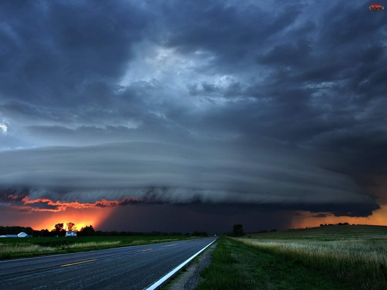 Tornado, Chmury, Droga